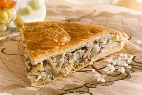 Рыбный пирог с сайрой
